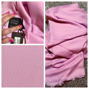 NWT/Receipt GUCCI Oversized Rose GG ScarfPashmina
